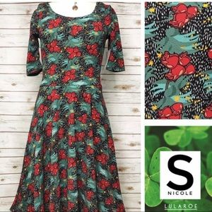 Size S green and red floral print dress